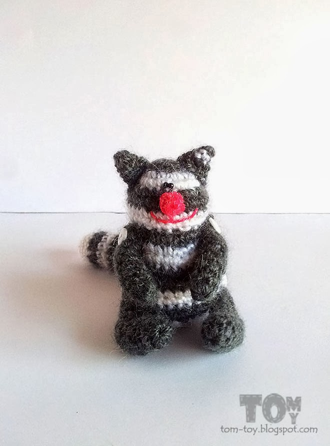 Crochet mini fat cat