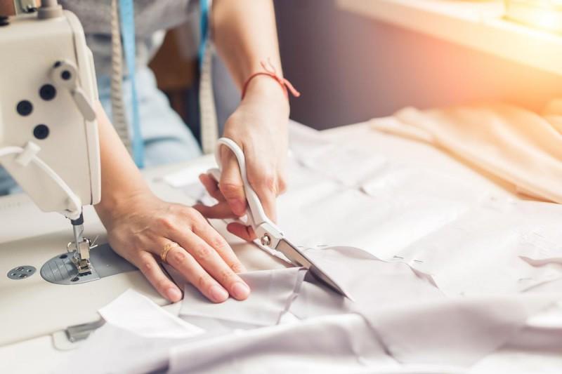 Ganhe dinheiro aprendendo a costurar - Renda extra