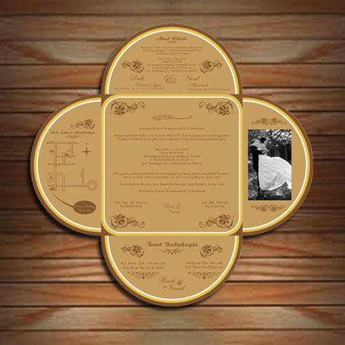 Wedding card cleon undangan pernikahan kreatif yogyakarta lampung karena harga yang kami tawarkan dapat disesuaikan dengan budget yang ada salah satu sampel undangan dengan bentuk yang kreatif ini bisa anda dapatkan stopboris Image collections
