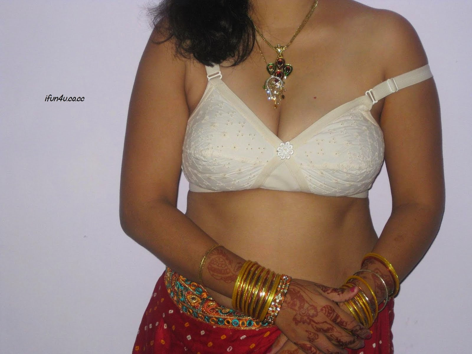 Desi In Bra Collection 09 - Hd Latest Tamil Actress -1127