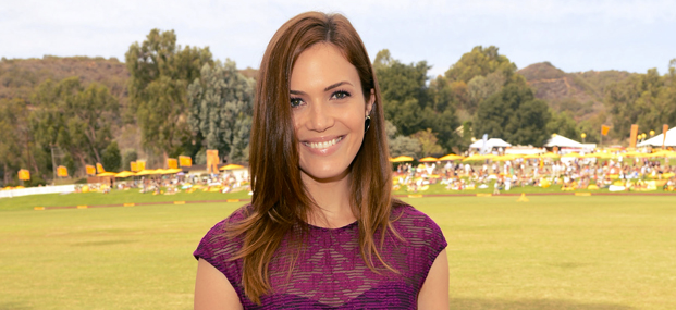 Christmas In Conway.Mandy Moore Source Mandy Moore Joins Cast Of Christmas In