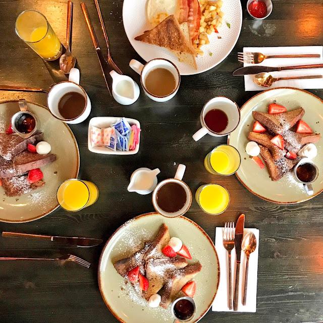 Breakfast - Holiday Inn Hotel