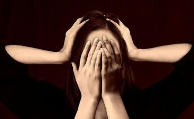 Sakit kepala sangat mengganggu dan terkadang sulit untuk dihindari 4 Cara Praktis Mengatasi Sakit Kepala
