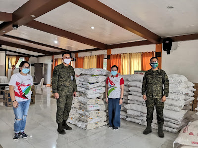 PLDT-Smart Foundation partners with AFP to feed over 4000 families in QC