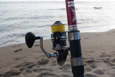 """Τρόπος να διατηρείτε τα δολώματα σας """"ζωντανά"""" για το ψάρεμα."""