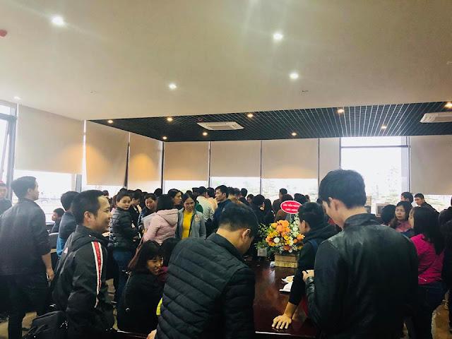 Khách hàng tham dự lễ mở bán chung cư HH03 B2.1 Thanh Hà