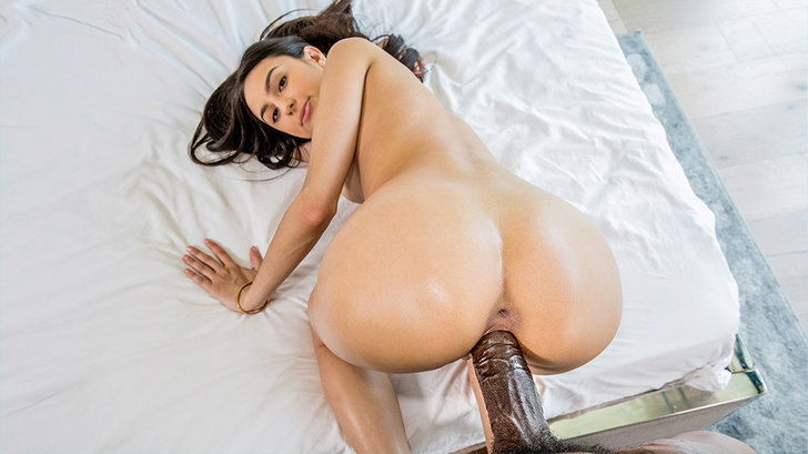 Blacked – Girls Weekend – Eliza Ibarra
