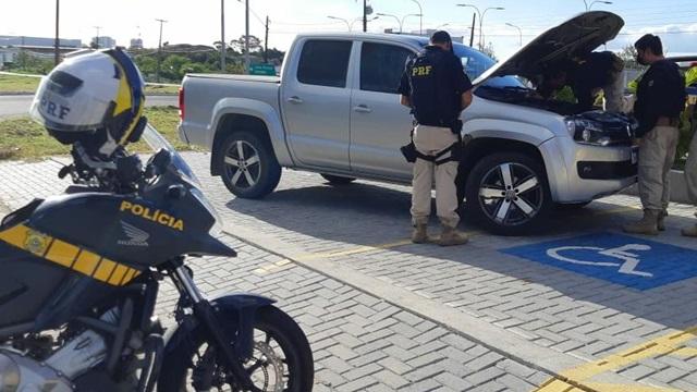 Caminhonete de luxo roubada em Goiás é recuperada pela P.R.F na Paraíba
