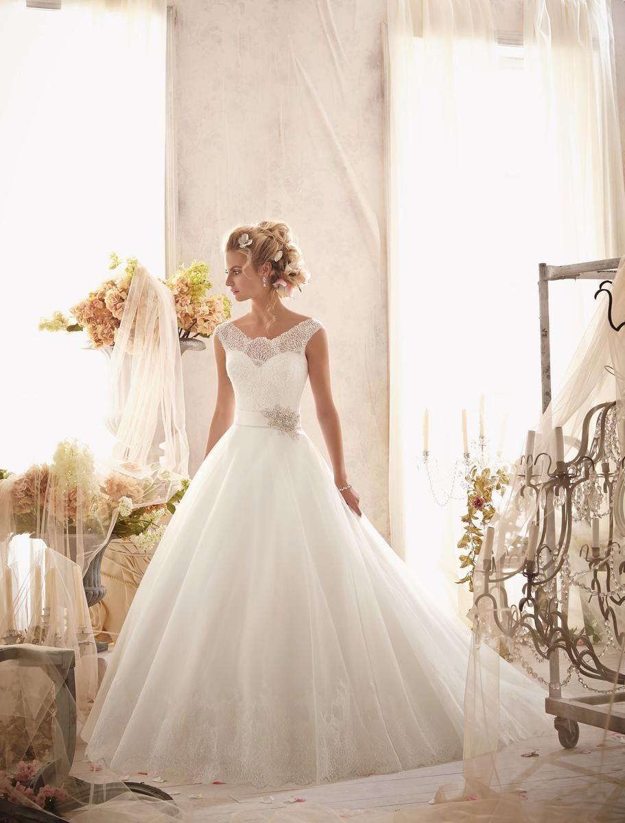 d5eb14831df9d TJ Formal Dress Blog: Essential Elements of Rustic-Chic Wedding Gowns