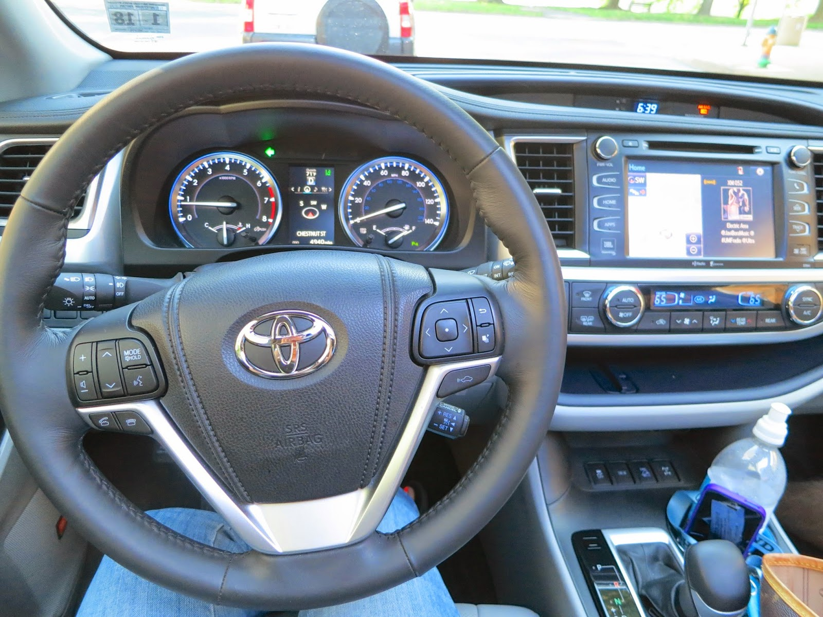 ask away exploring central pa in luxury with the 2014 toyota highlander limited platinum. Black Bedroom Furniture Sets. Home Design Ideas