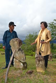 Prof. Dr. Meutia Hatta di Makam Mahligai