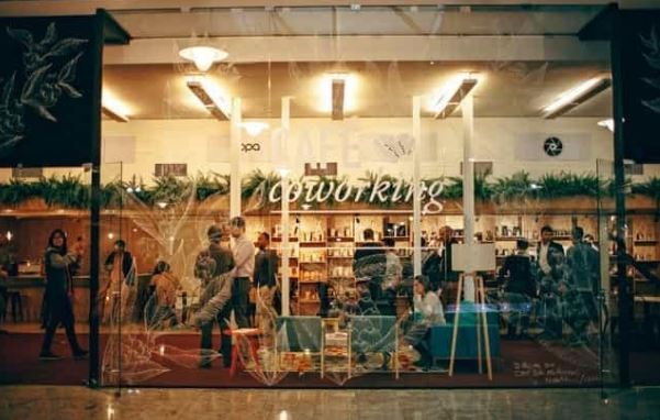experiential retail trends retailer marketing industry