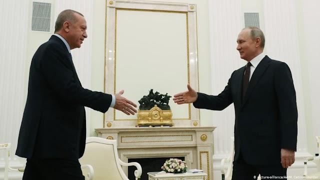 """Ερντογάν: """"Ο ικέτης του Κρεμλίνου"""""""