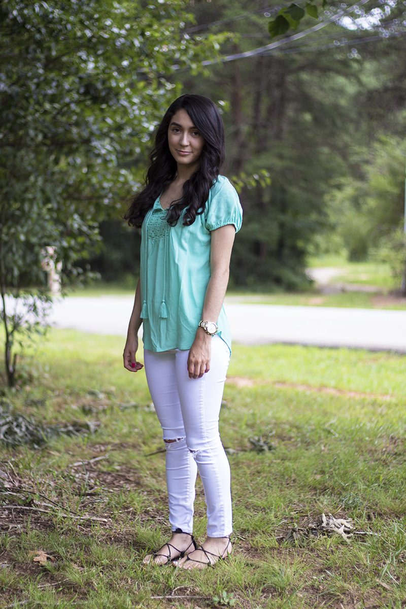 tassel top and white ripped jeans ootd
