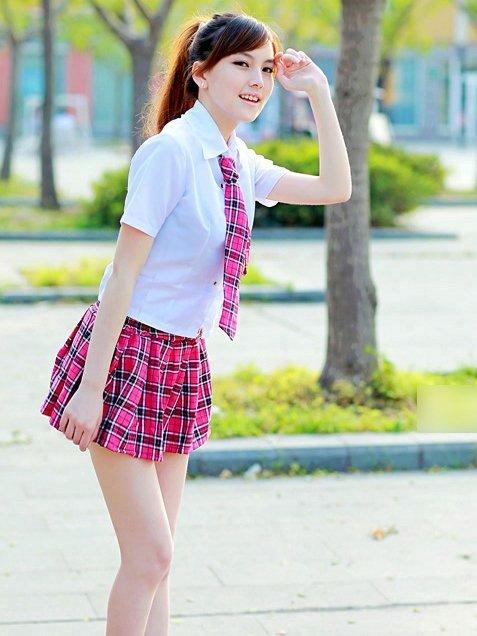 Chảy giải ảnh gái đẹp mặc zip ngắn cực xinh và gợi cảm