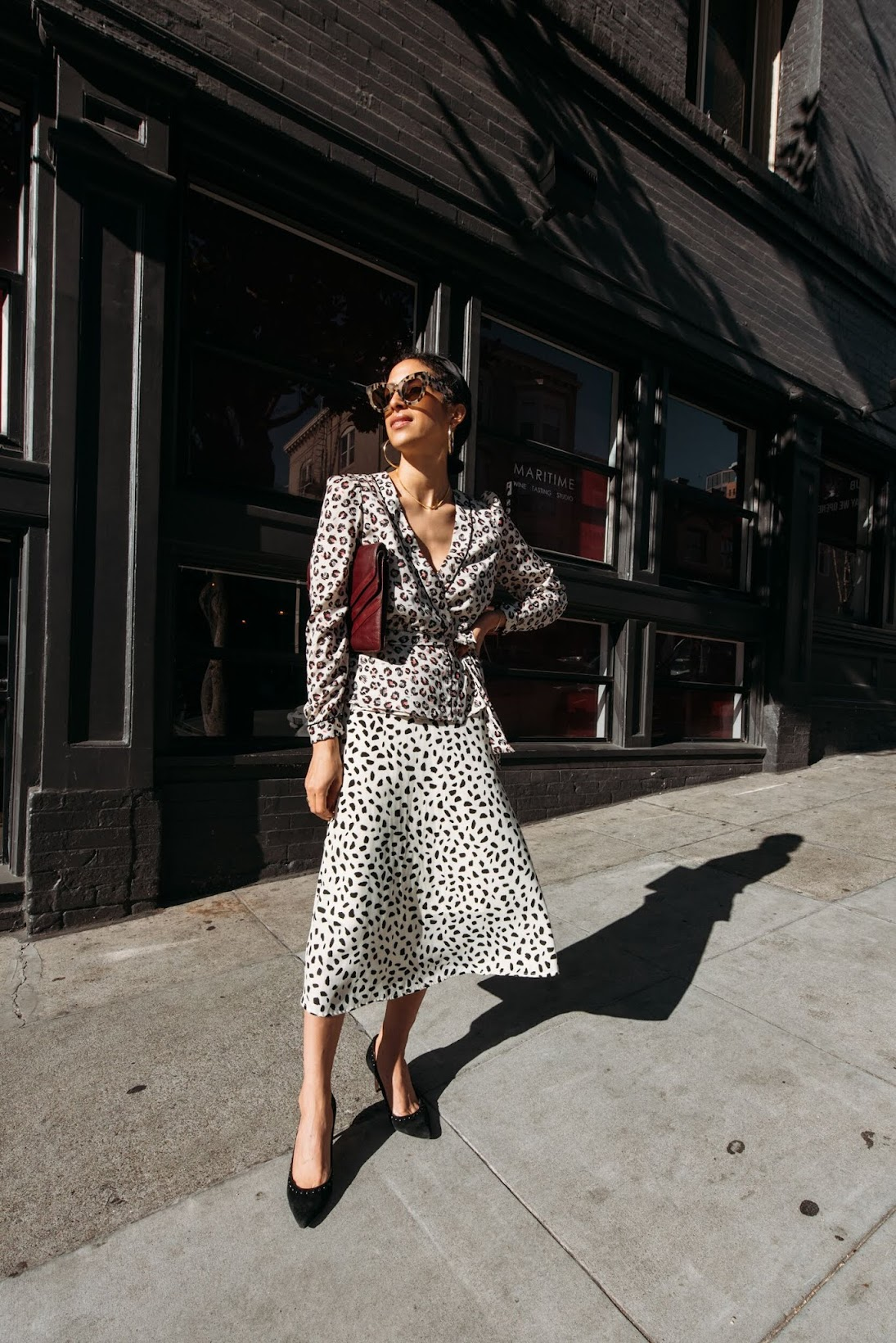 leopard looks, french girl style, San Francisco, City girl style, Parisian style, Camel coat, coach pumps