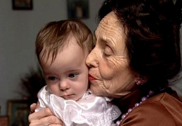 Женщина стала мамой в 66 лет: прошло 14 лет, как выглядит ее дочь сейчас?