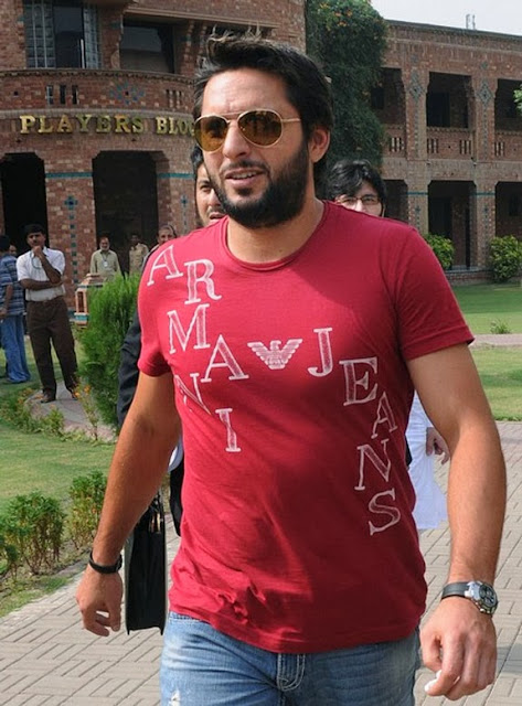 Shahid Afridi HD Wallpapers Images Pictures Photos Download