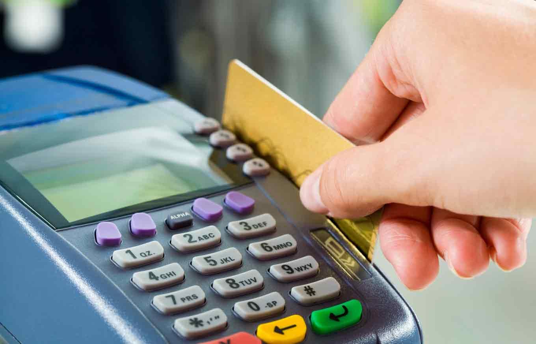 تعرف على الطريقة الصحيحة لاستخدام البطاقات البنكية