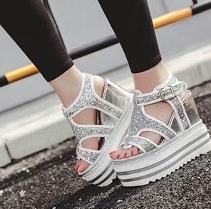 9 Model Dan Harga Sandal Tali Wanita Gaya Paling Trendy