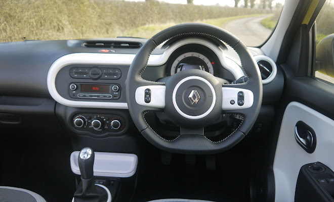 Renault Twingo driver's view