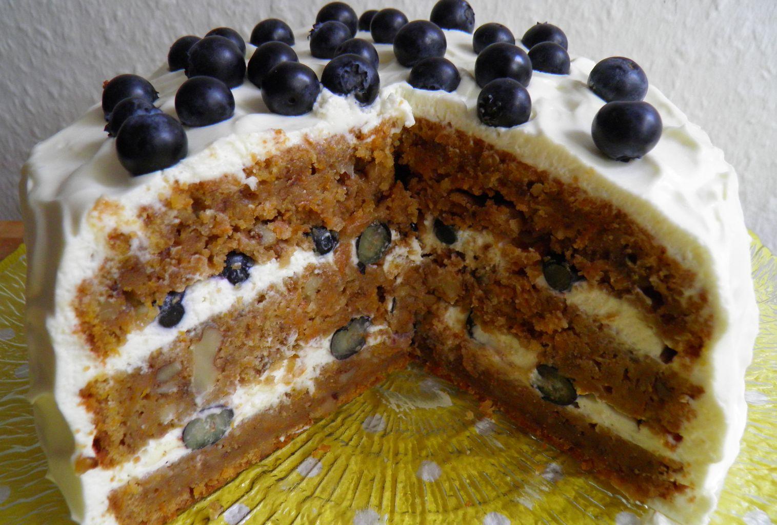 Lisacuisine Mohren Walnuss Torte Mit Heidelbeeren