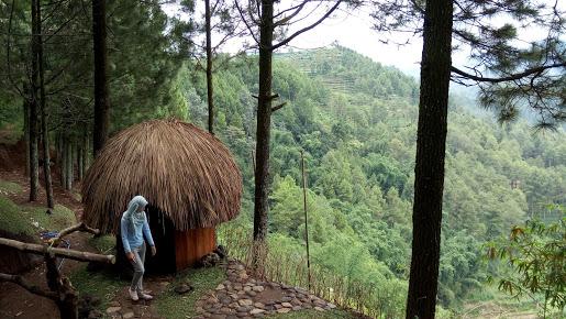 Foto Goa Pinus Gunung Banyak