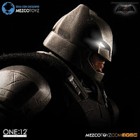 Mezco San Diego Comic-Con 2016 Exclusive ONE 12 COLLECTIVE Batman V Superman Dawn of Justice Armored Batman Figure