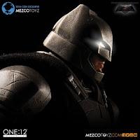 Mezco San Diego Comic-Con 2016 Exclusive ONE 12 COLLECTIVE Batman V Superman Dawn of Justice Armored Batman Figure