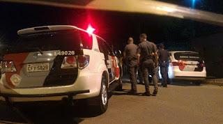Guarda municipal de folga reage a assalto e atira contra trio de marginais em Várzea Paulista