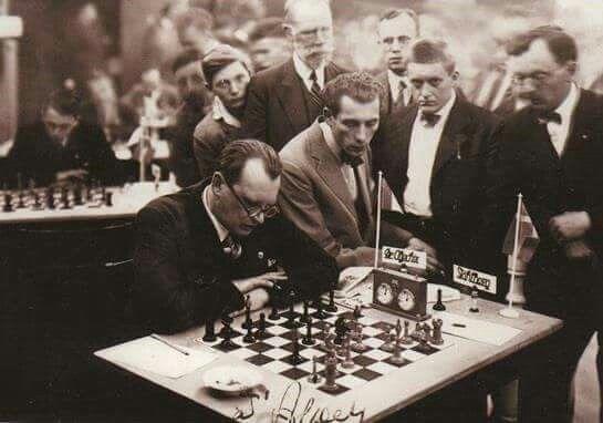 Le champion d'échecs Alexandre Alekhine (1892-1946)