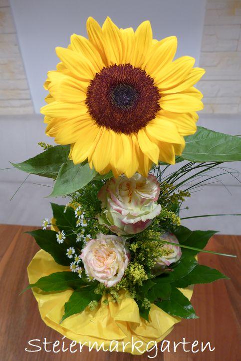 Blumenstrauss-mit-Sonnenblume-Steiermarkgarten