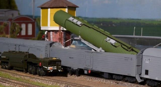 """بوتين يشغل """" قطار الموت"""" النووي"""