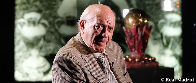 قبل 30 عاماً، فاز دي ستيفانو بجائزة الكرة الذهبية السوبر
