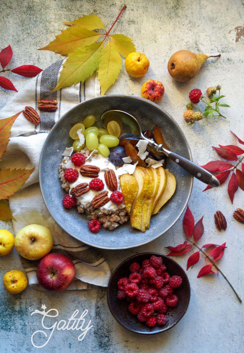 jogurt-owoce-widok-z-gory