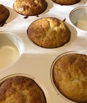 Muffinssin nousee mukavasti metallisessa vuoassa