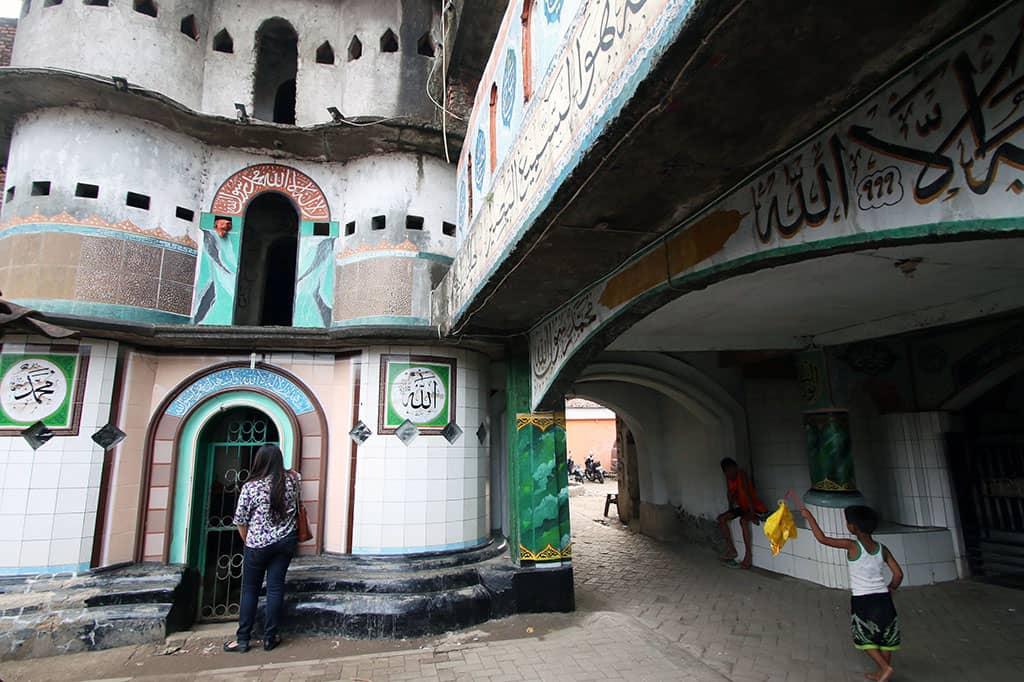 Wisata Religi Masjid Pintu Seribu di Tangerang Yang Terkenal