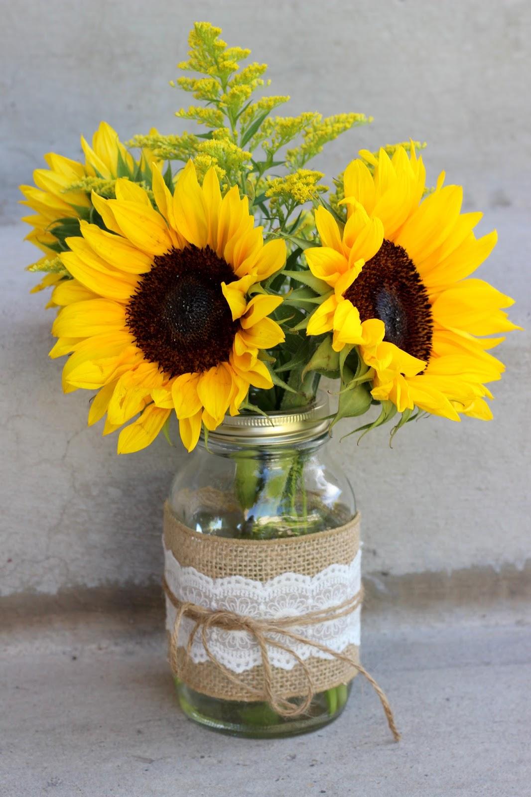 Celebration Flair: Summery Sunflowers Michelle + James