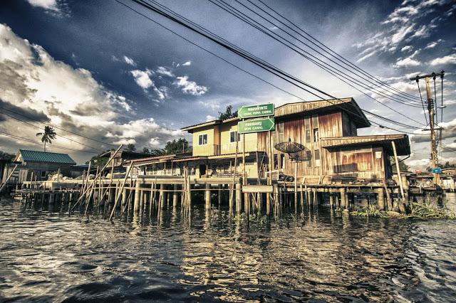 Crociera sui canali del quartiere Thonburi-Bangkok