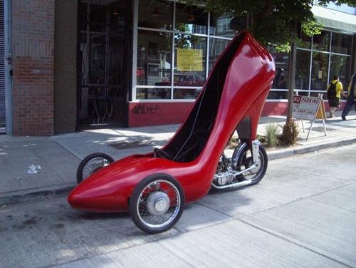 اغرب سيارت في العالم ladysshoecar-1.jpg