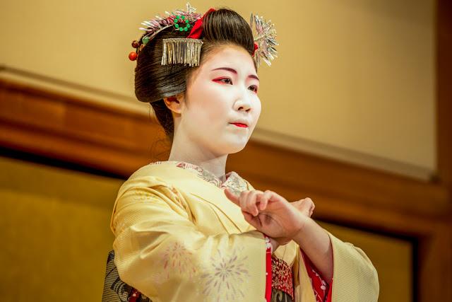 La cortesía preciosista y armoniosa del Kyomai:: Canon EOS5D MkIII | ISO 800 | Canon70-200@160mm | f/4.0 | 1/100s