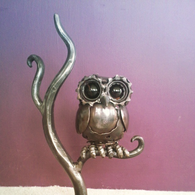 11-Steampunk-Owl-Alan-Williams-Animals-Sculptured-with-Recycled-and-Upcycled-Metal-www-designstack-co