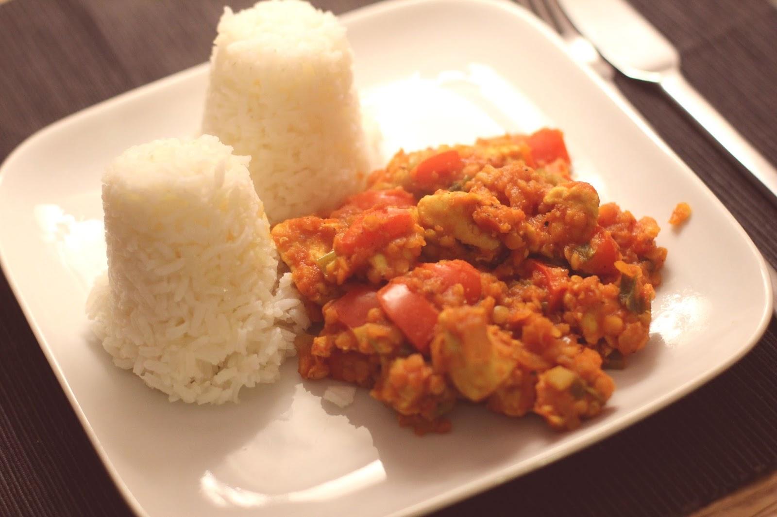 Reis mit roten Linsen, Hähnchen und Chilli