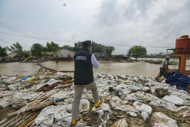 Gubernur Jabar Tinjau Perbaikan Tanggul Jebol  Sungai Citarum di Kabupaten Bekasi