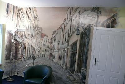 Malowanie wąskiej uliczki w perspektywie, malarstwo dekoracyjne, Gdańsk