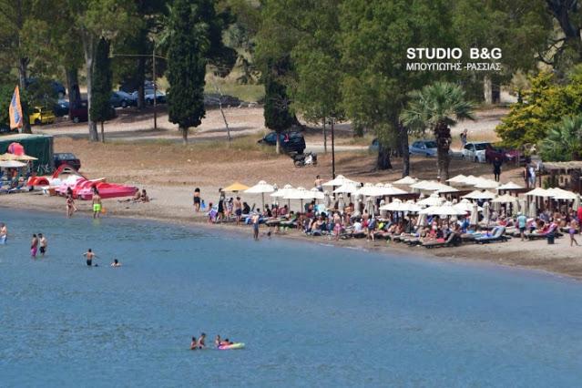 Το πρώτο «ελεύθερο» Σαββατοκύριακο με ανοικτά καφέ, εστιατόρια, μπαρ και οργανωμένες παραλίες
