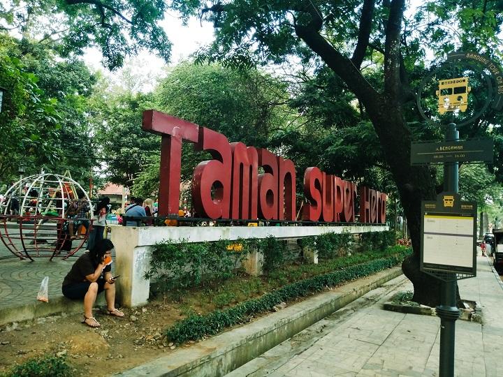 Main Di Taman Superhero Bandung