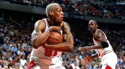Tips Lain Untuk Berlatih Rebound Yang Baik, dennis rodman, michael jordan, Chicago Bulls, melindungi bola, nba, setelah rebound, berlatih rebound, rebound dalam bola basket, bola basket, permainan bola basket