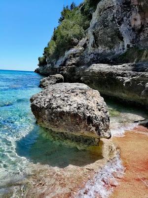 Playas hermosas de Mallorca con arena y mar