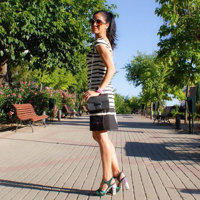 LOOK Vestido DESIGUAL Rayas Paint